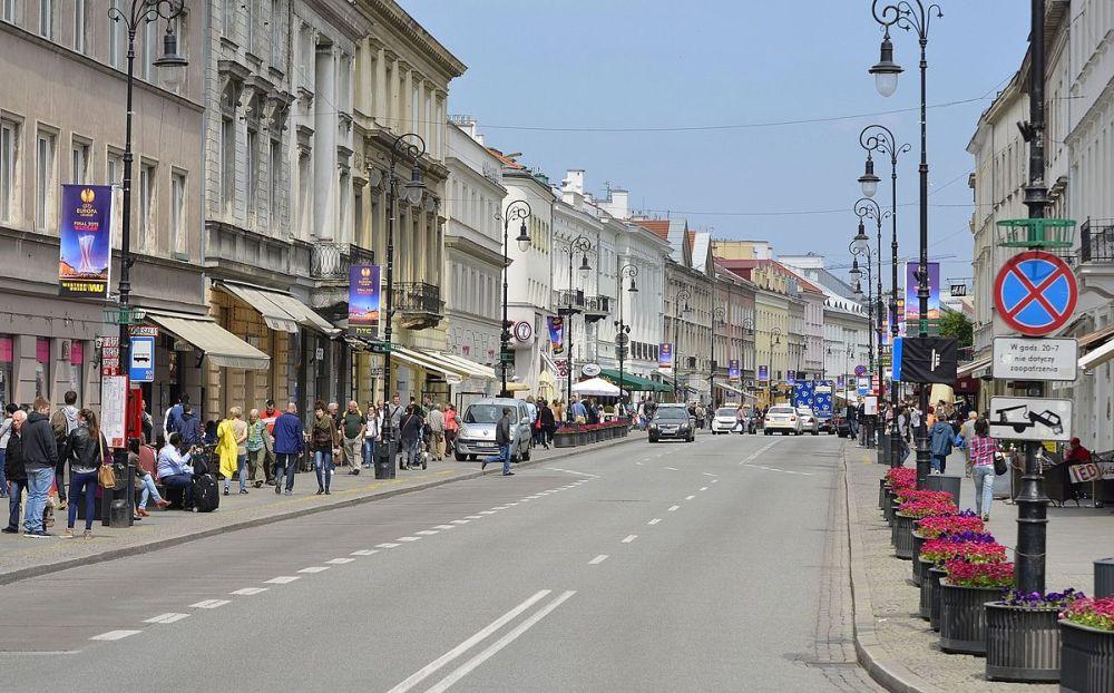 Ulica Nowy Świat w Warszawie na Śródmieściu