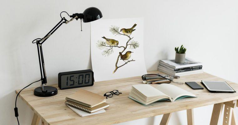 3 podstawowe elementy, w które warto wyposażyć biuro
